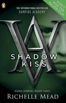 Shadow Kiss: A Vampire Academy Graphic Novel